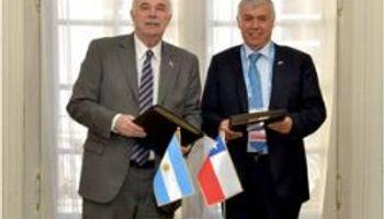 Firmaron acuerdos de cooperación agrícola con Chile