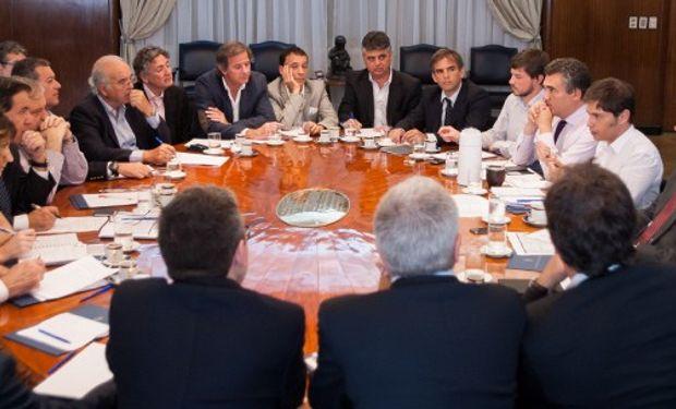 La reunión desarrollada en el Ministerio de Economía marcó el fin de una dura negociación, que incluyó una importante pirotecnia del Gobierno en contra del agro en los últimos meses.