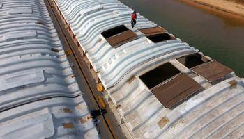 La Aduana secuestró 6500 toneladas de soja en el río Paraná