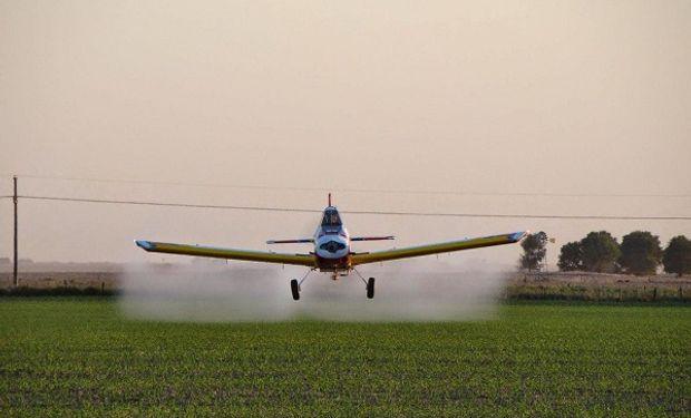 Aeroaplicadores deben tramitar una autorización para trabajar durante la cuarentena