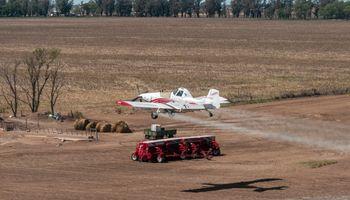 Aeroaplicaciones: desde diversas regiones, comparten experiencias y ventajas del avión para cultivos extensivos