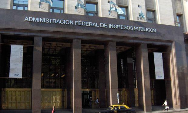 Recaudación impuestos de Argentina habría crecido 28,9% en agosto