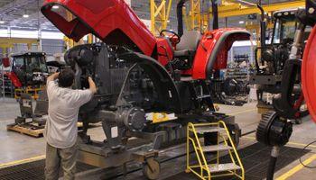 AGCO nacionaliza la producción de tractores de alta potencia en su planta de General Rodríguez