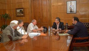 Etchevehere se reunió con referentes del sector lácteo