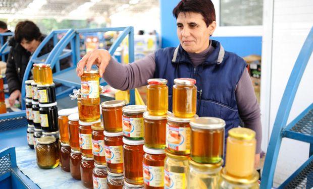 El Programa de Agroindustria Familiar tiene por objetivo la formalización e inserción de pequeños productores y emprendedores en diferentes mercados.
