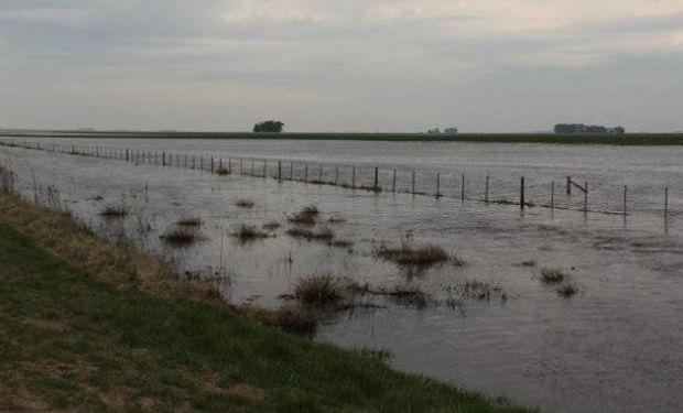 Agua en los campos argentinos.