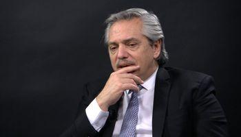 """Depósitos en dólares: para CREA la dinámica actual """"no justifica"""" los dichos de Fernández"""