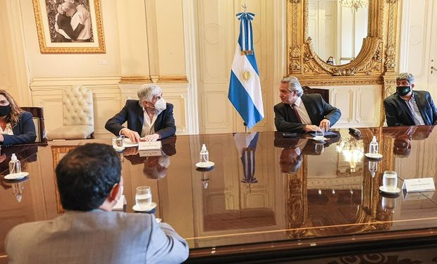 Alberto Fernández recibió a los gremios y empresarios del transporte y se resolvió crear una mesa de concertación