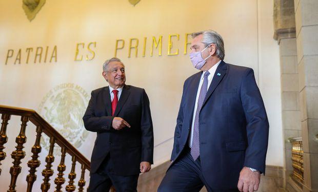 """""""Terminemos con la payasada"""", pidió Fernández, y justificó la vacunación de funcionarios"""