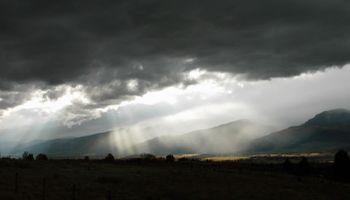 Amplio alerta por tormentas fuertes abarca a 11 provincias