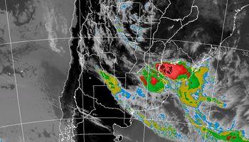 Alerta por lluvias y tormentas fuertes sobre regiones del centro