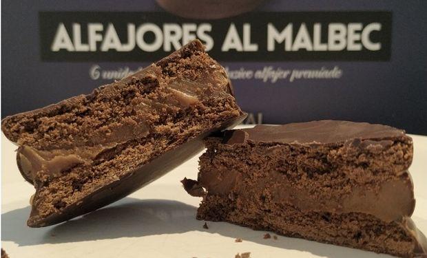 El alfajor combina dos clásicos argentinos: el dulce de leche y el malbec.