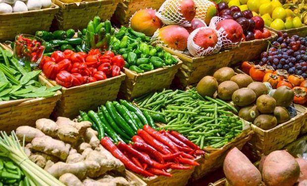 La incertidumbre económica, incluyendo las fluctuaciones en los tipos de cambio, influirán aún más posiblemente en los mercados alimentarios este año.