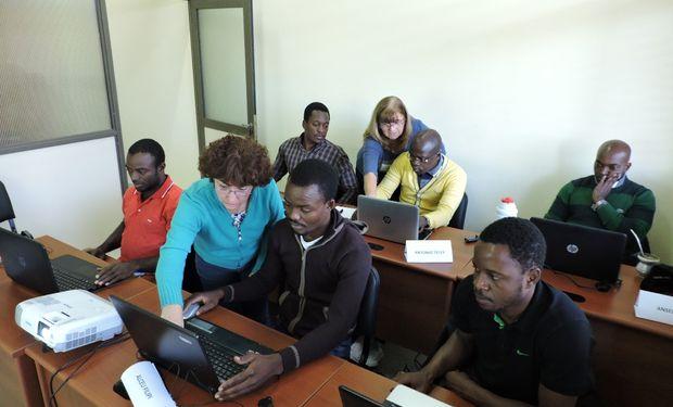 El primer paso de este proceso comprendió la elaboración del proyecto pedagógico de la Licenciatura en Ingeniería de los Recursos Hídricos, única de su tipo en Angola,