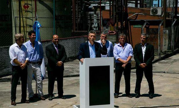 Macri anunció desde Tucumán que el corte de etanol en los combustibles pasará del 10% al 12%.