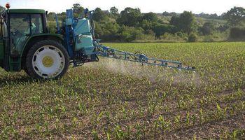 La Pampa prohibió la venta de agroquímicos