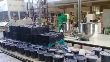 Productores de arándanos entregaron mermelada a comedores