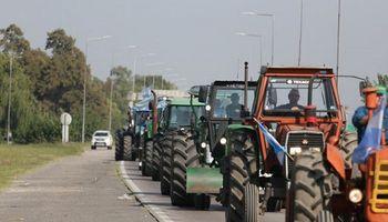 Masivo tractorazo en Córdoba contra las retenciones: buscan entregar un petitorio a Schiaretti