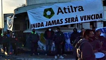 Qué reclaman los trabajadores lecheros que coparon Panamericana