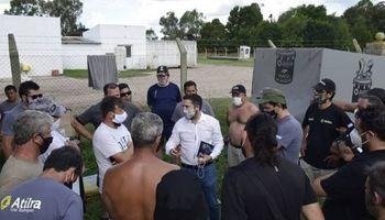 Gremio bloquea a pyme láctea y en el pueblo se preparan para marchar en apoyo a la empresa