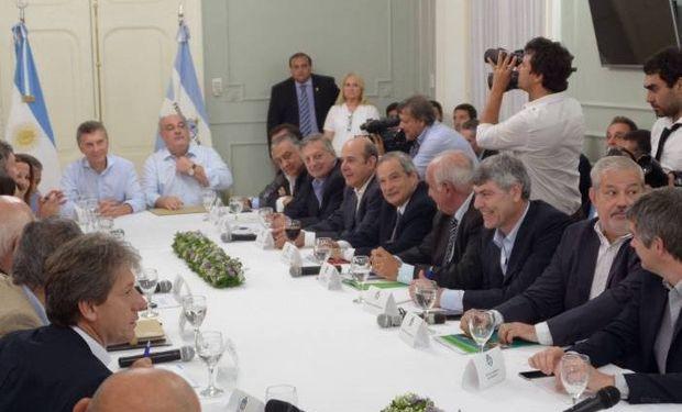 La reunión de Gabinete Nacional se hizo en la casa de la Gobernación de Corrientes.