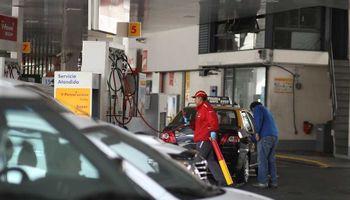 La suba de nafta quedó para el martes o miércoles