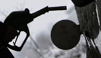 Volvieron a subir las naftas por la devaluación del peso