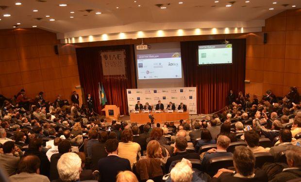 El Auditorio del IAE Business School de Pilar a sala llena en la tercera edición de Argentina Visión 2020.
