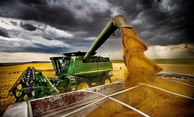 El USDA informó caídas en la producción de soja y subas en la de maíz de Estados Unidos.
