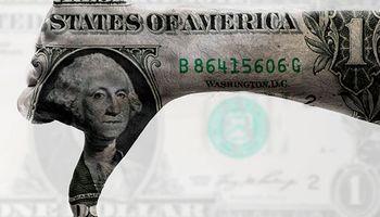 Gobernadores de la Fed reflejan posturas encontradas respecto a la suba de tasas