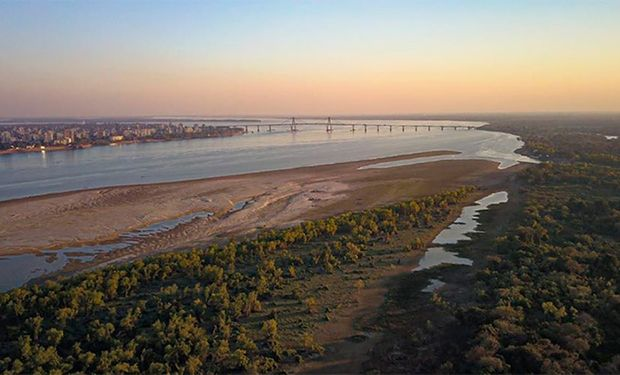 Bajante río Paraná: el Gobierno declaró la emergencia hídrica por 180 días