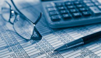 Balance e informe de auditoría para prever las crisis