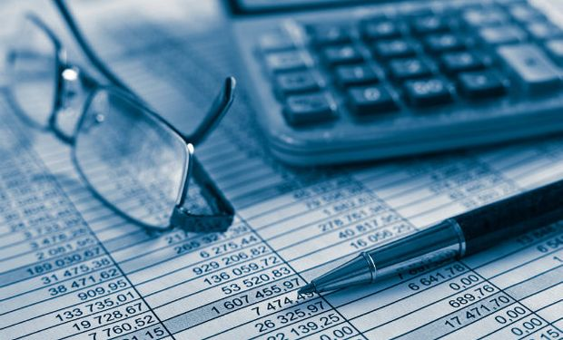 Es recomendable consultar los balances y los informes del auditor antes de concretar cualquier tipo de negocio.