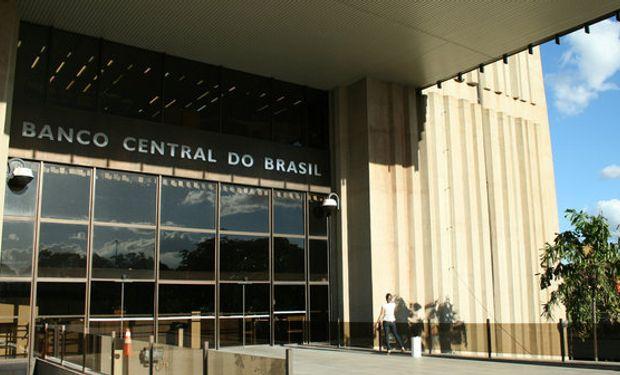 La balanza comercial brasileña registró el mayor déficit en 15 años
