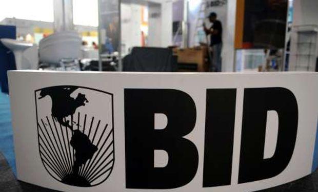 Negocian u$s 7.000 M con el BID y el Banco Mundial