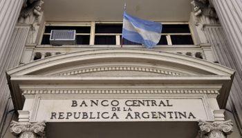 Costó 53.719 millones de pesos la hipoteca del dólar futuro