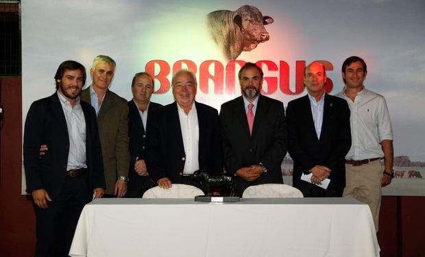 La Tarjeta Galicia Rural-Brangus, además, reduce los costos de los servicios a los criadores
