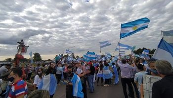 #9J: nuevo banderazo del sector agropecuario por la propiedad privada y la República
