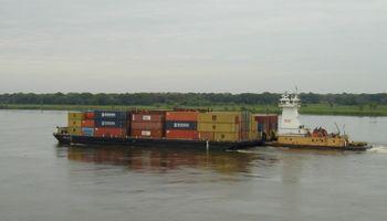 Argentina retiene 32 barcazas paraguayas con granos por u$s 25 M