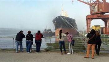 Santa Fe se despidió del buque granelero Sampan