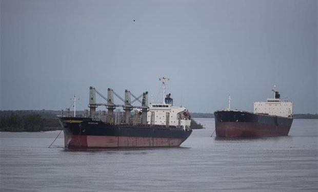 El conflicto sigue y los barcos se acumulan.