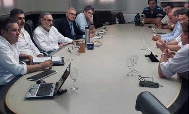 Dirigentes de las gremiales del norte argentino presentaron al ministro Luis Basterra la caracterización de la producción NEA NOA.