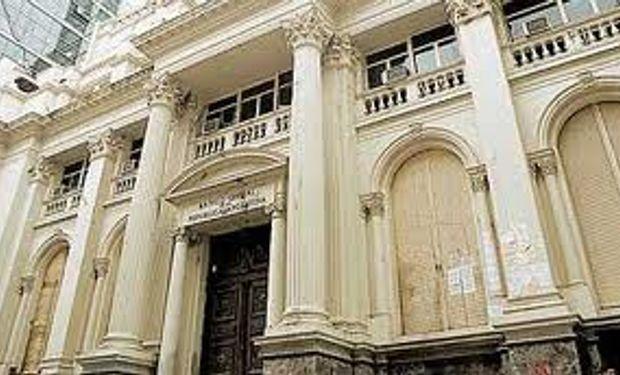 Las reservas del Banco Central cayeron a su menor nivel en seis años
