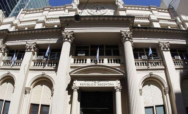 Marcó del Pont admitió que hay que bajar la inflación y justificó la pérdida de reservas