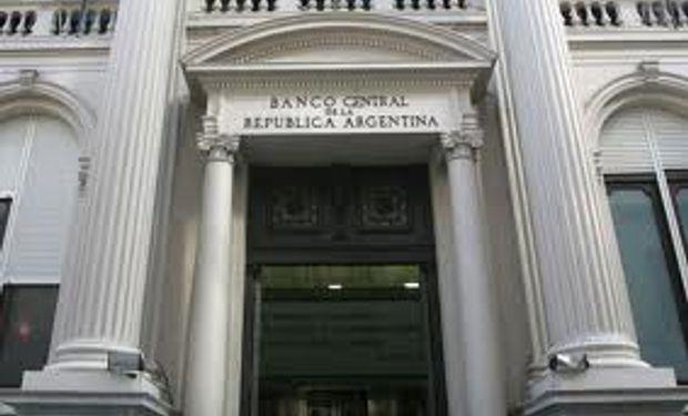 BCRA: hay dólares para pagar deuda hasta 2015