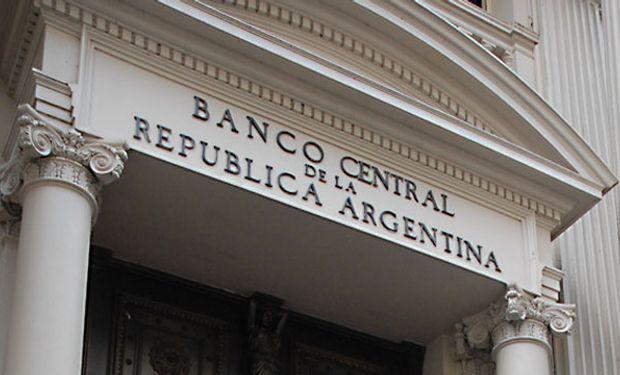 El Central maquilla con deuda caída de reservas