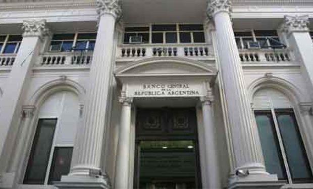 Desde que Fábrega llegó al BCRA, el peso se devalúa al 80% anualizado