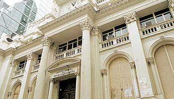 En el último día de la semana, el Central compró u$s 200 M