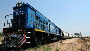 Los trenes de carga transportaron medio millón de toneladas en un mes