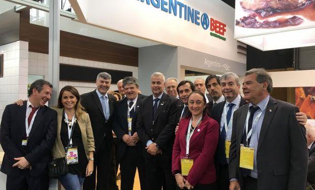 El Instituto de Promoción de la Carne Vacuna Argentina, acompañado por empresas exportadoras, se encuentra participando en la feria Sial que se lleva a cabo en la capital francesa.